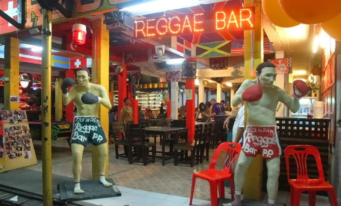 Muay Thai boxing in koh phi phi Reggae Bar