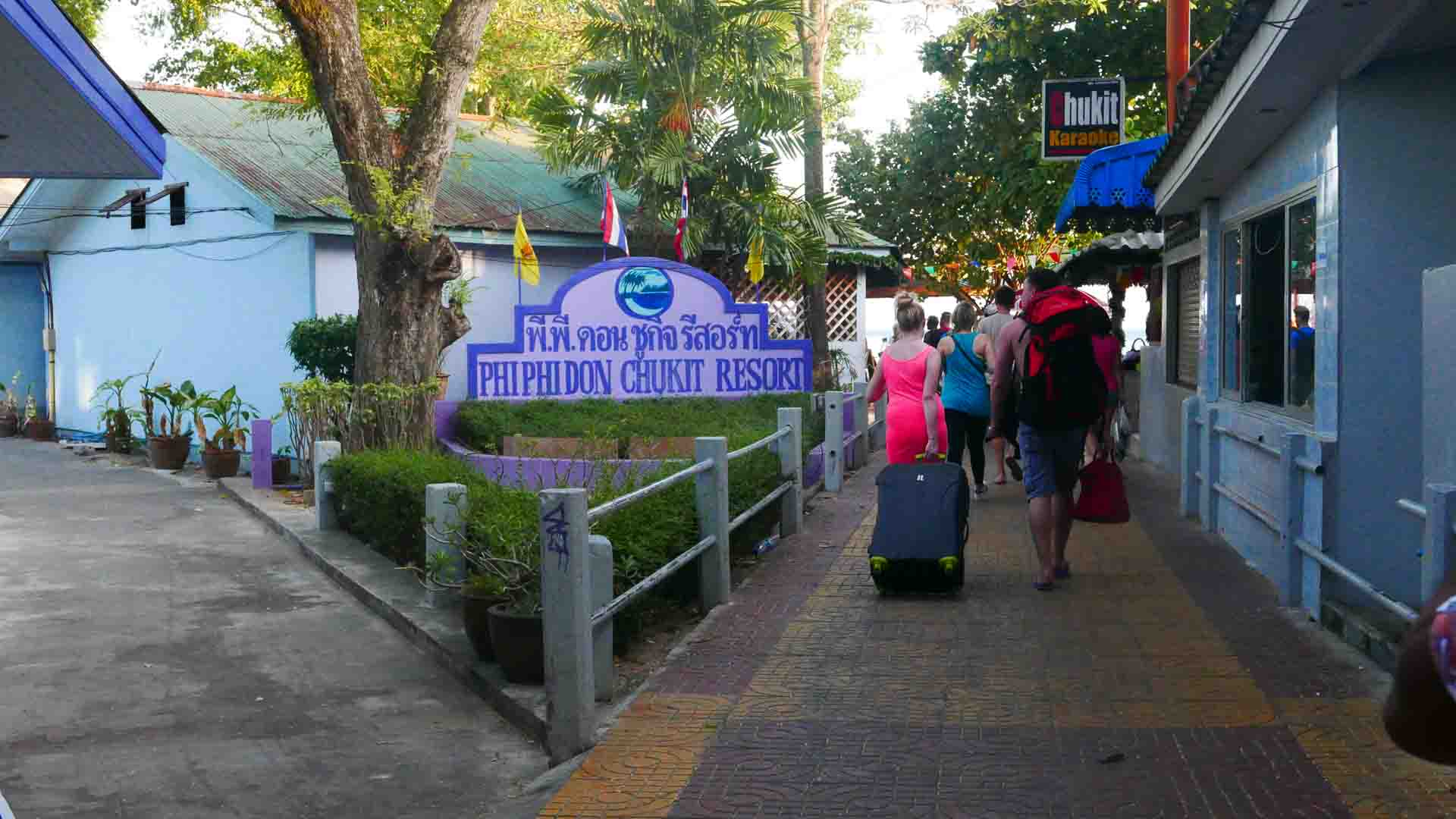 phi phi island accommodation tips